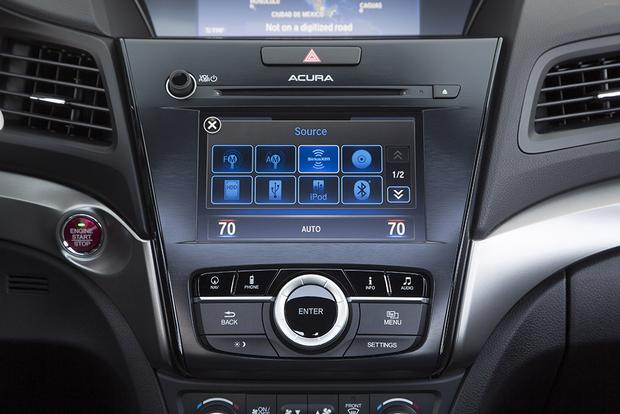 Why You Need to Test the Infotainment System on a Test Drive featured image large thumb0