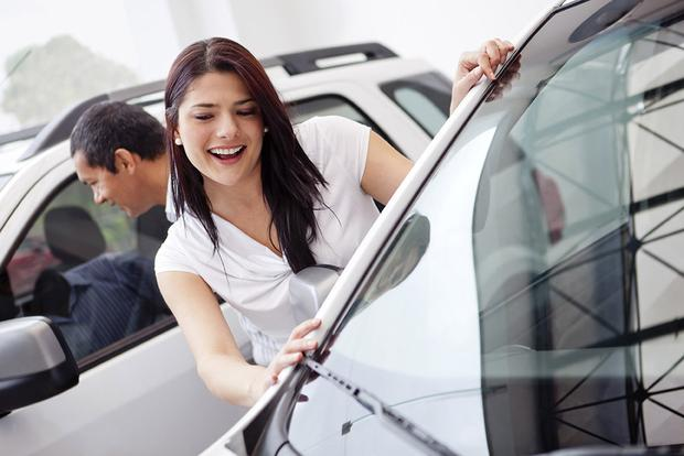 Buying a Car: Should You Avoid a Base Model? featured image large thumb0