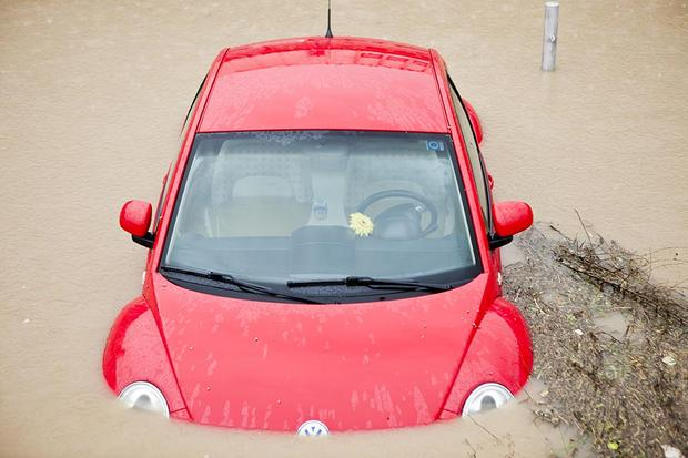 Buying a Car: Why Checking for Flood Damage Is so Important featured image large thumb0