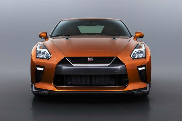 The Pros and Cons of the Nissan GT-R - Autotrader