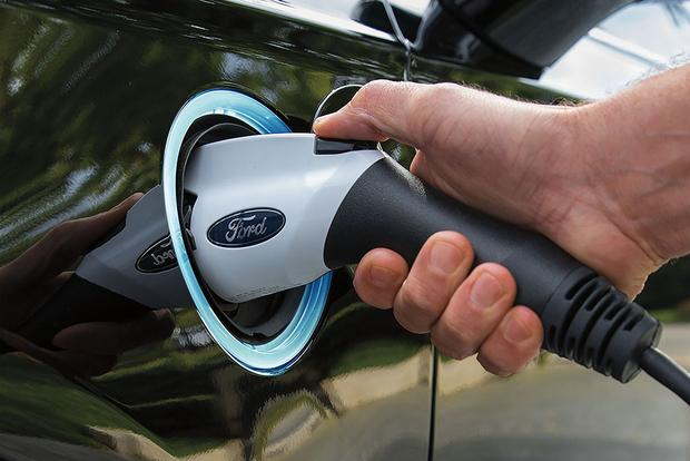 Electric Vehicles: Pressure From China and India for EVs Will Affect U.S. Market featured image large thumb0