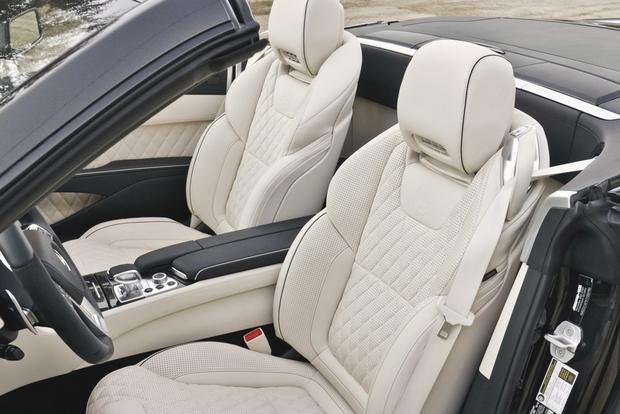 Luxury Car Features That Improve Your Comfort featured image large thumb0