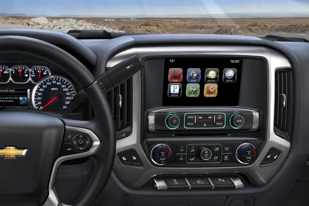 A Look at Luxury Pickup Truck Features featured image large thumb0