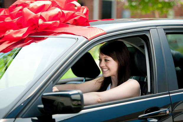 5 Tips for Buying a Car as a Holiday Gift featured image large thumb0