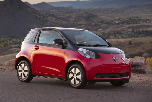 2015 Smart Fortwo Vs 2015 Scion Iq Which Is Better Autotrader