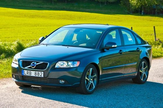 Volvo to Discontinue S40 and V50 featured image large thumb0