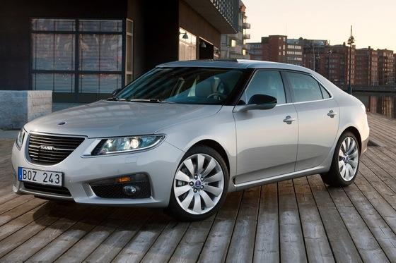 IIHS Names Saab 9-4X and 9-5 Top Safety Picks featured image large thumb0