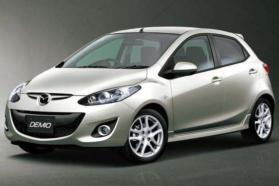 Kelley Blue Book Expects Green Car Prices to Decrease by Year's End featured image large thumb0