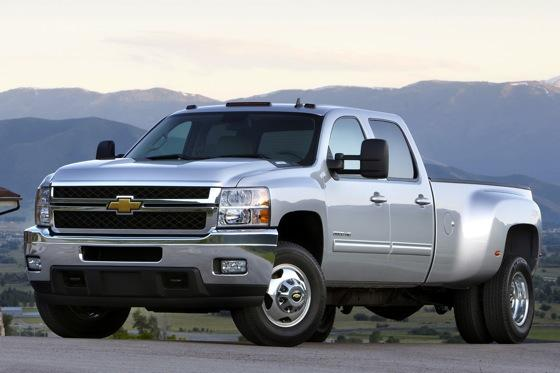 Chevrolet Tweaks Silverado for 2012 featured image large thumb0