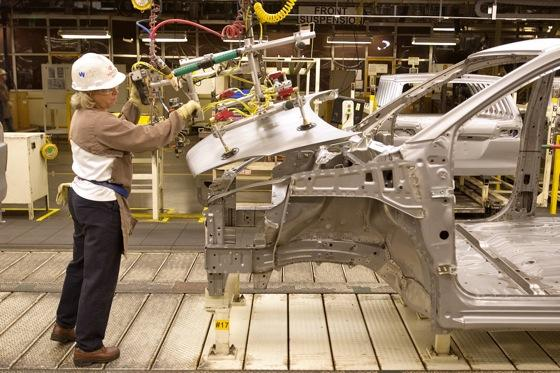 Toyota's North American Plants at 100 Percent featured image large thumb0