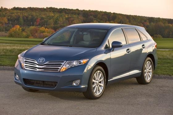 Toyota Expands Venza Trim Lineup for 2012 featured image large thumb0