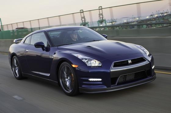 Nissan Offers More for More in 2013 GT-R featured image large thumb0