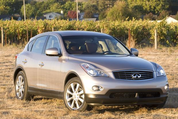 Infiniti Updates Lineup for 2013 featured image large thumb0