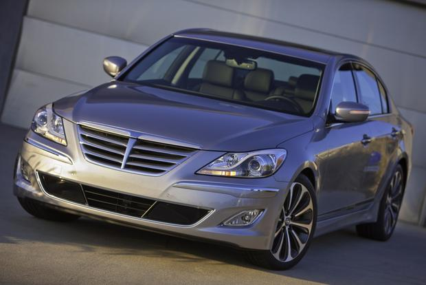 "2013 Hyundai Genesis Offers ""Ultimate"" Navigation featured image large thumb0"
