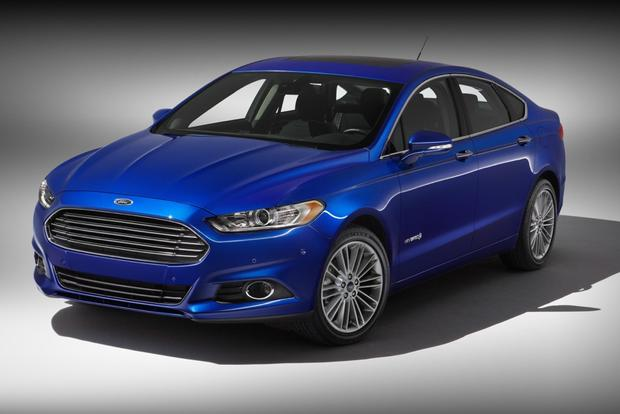 2013 Ford Fusion Hybrid to Offer Luxurious Titanium Trim Level featured image large thumb0