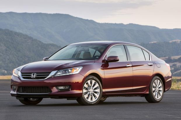 2013 Honda Accord Earns 5-Star NHTSA Safety Score featured image large thumb0