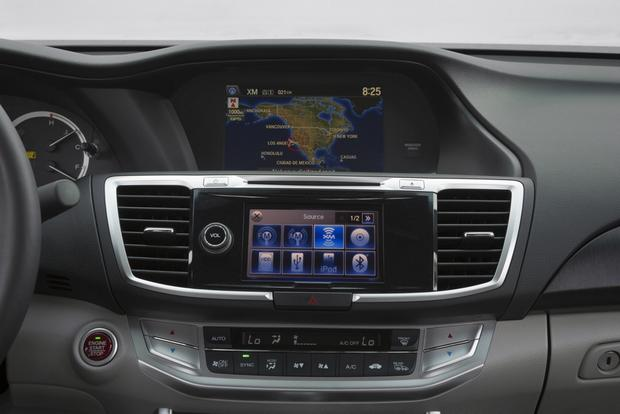 Honda Adding Siri Virtual Assistant to Accord, Acuras featured image large thumb0
