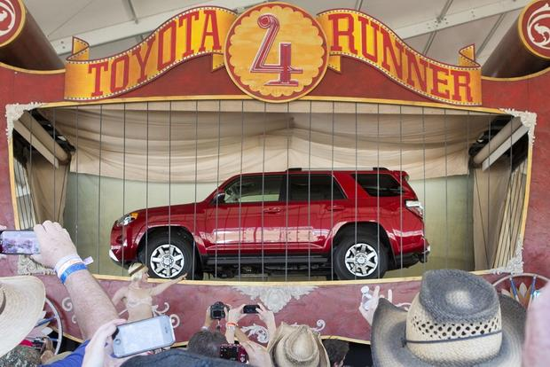 2014 Toyota 4Runner Unveiled featured image large thumb0