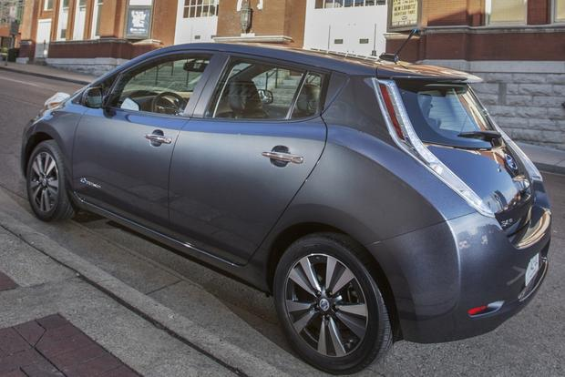 Nissan Expands Network of EV Quick Chargers featured image large thumb0