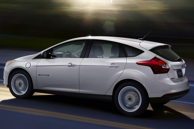 2014 Ford Focus Electric Gets Major Price Cut featured image large thumb0