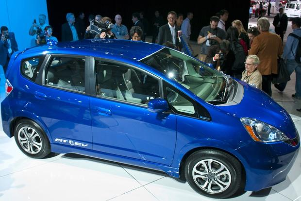 All-New Honda Fit Hybrid Revealed featured image large thumb0