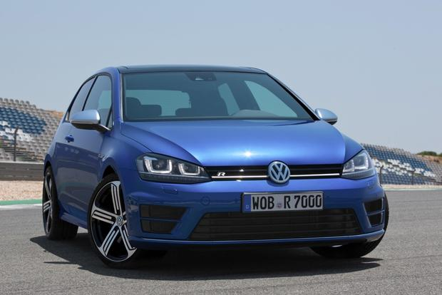 2015 Volkswagen Golf R Revealed Ahead of Frankfurt featured image large thumb0