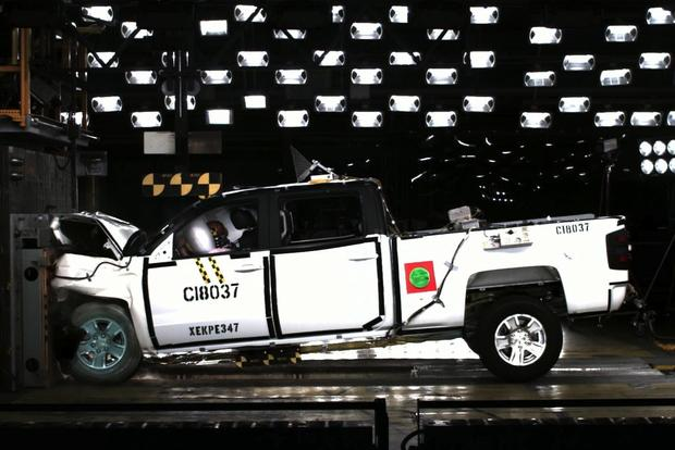 Gmc Sierra Chevrolet Silverado Ace Nhtsa Crash Tests Featured Image Large Thumb0