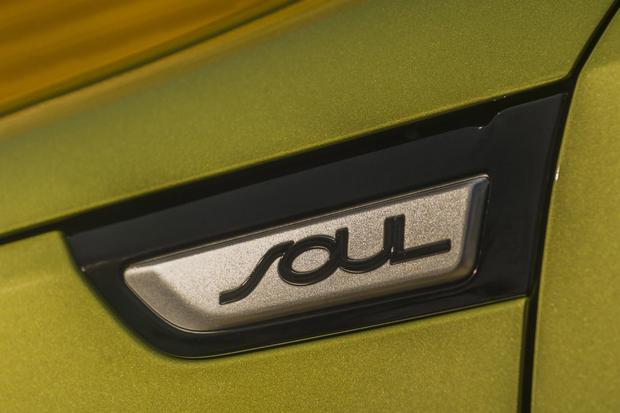 Kia Soul EV Set for Launch Next Year featured image large thumb0