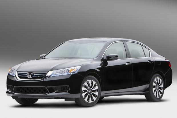 2014 Honda Accord Hybrid Priced Under $30,000 featured image large thumb0