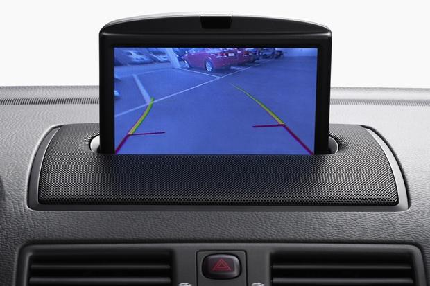 Feds Recommend Backup Camera for Every New Vehicle featured image large thumb0