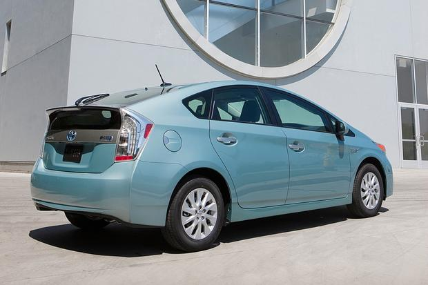 2017 Toyota Prius Plug In Offered At Lower Price
