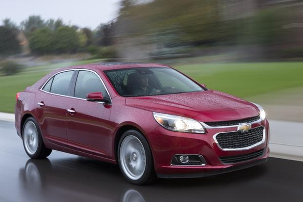 2014 Chevrolet Malibu Offers Improved Connectivity Features featured image large thumb0