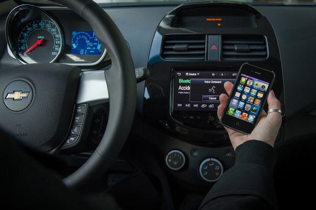 Siri Eyes Free System Coming to 6 New 2014 Chevrolet Models featured image large thumb0