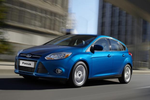 2014 ford focus earns top safety rating from nhtsa autotrader. Black Bedroom Furniture Sets. Home Design Ideas