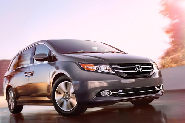 2014 Honda Odyssey Earns 5-Star Safety Rating From NHTSA featured image large thumb0