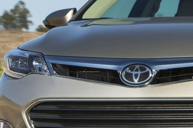 2015 Toyota Camry to Receive Major Update at New York Auto Show featured image large thumb0