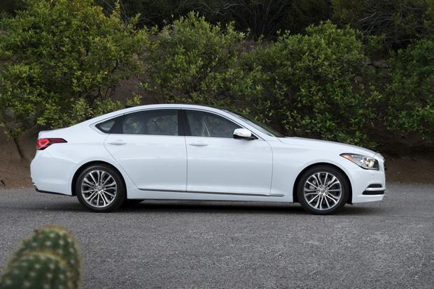 2015 Hyundai Genesis Pricing Starts at $38,000 featured image large thumb0