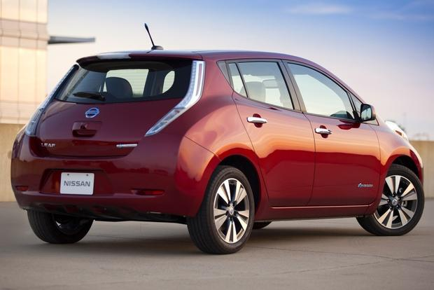 Nissan Leaf Lease Offers Free EV Charging for 2 Years featured image large thumb0