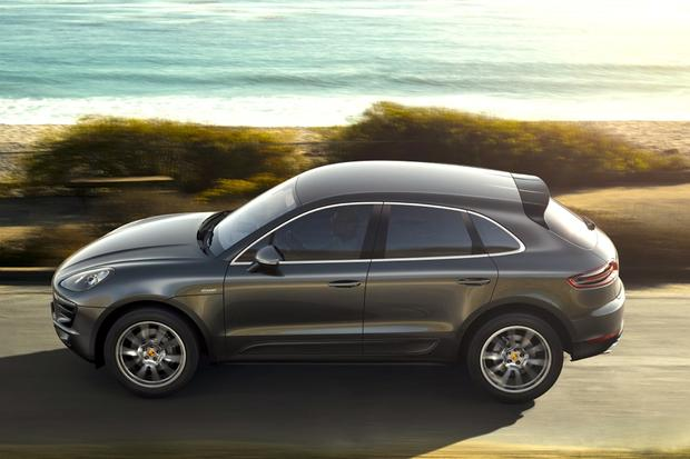 Porsche Macan Will Soon Offer 4-Cylinder Engine featured image large thumb0