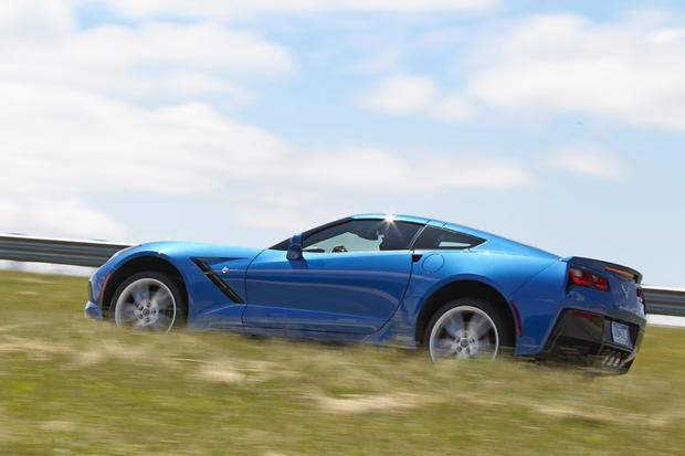 2015 Chevrolet Corvette Adds More Options for New Model Year featured image large thumb0