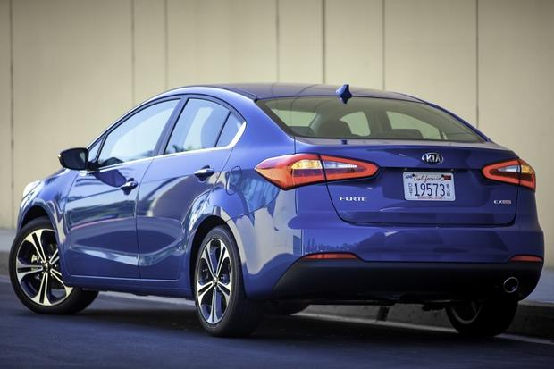 2015 Kia Forte Gets Small Price Cut to Become Cheapest Compact Sedan featured image large thumb0