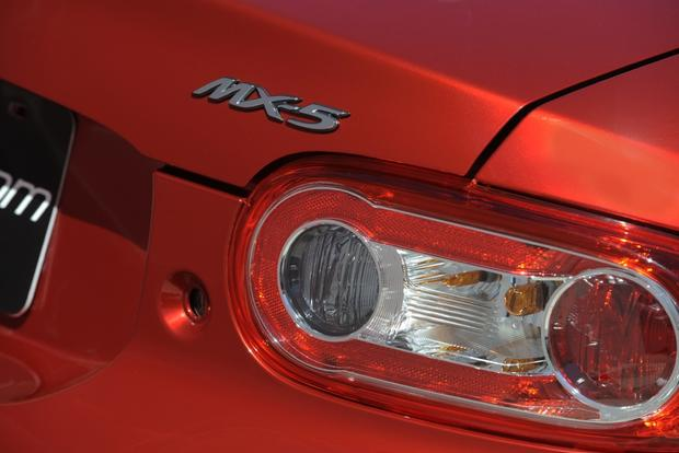2016 Mazda MX-5 Miata to Be Unveiled This Year featured image large thumb0