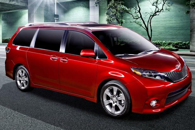 Refreshed 2015 Toyota Sienna Boasts Numerous Updates featured image large thumb0