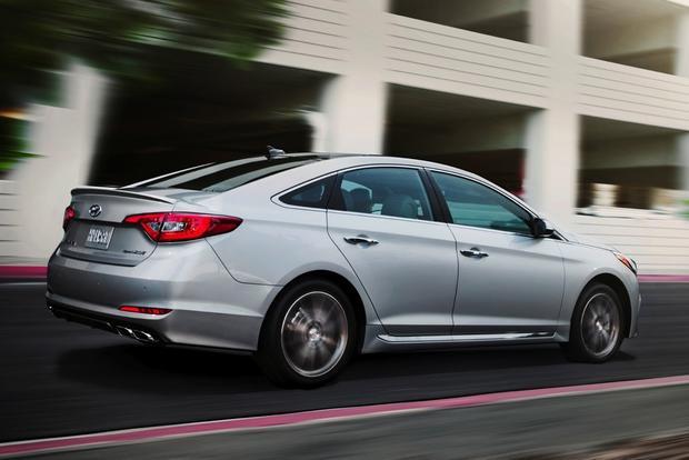 2015 Hyundai Sonata Earns IIHS Top Safety Pick+ Award featured image large thumb0