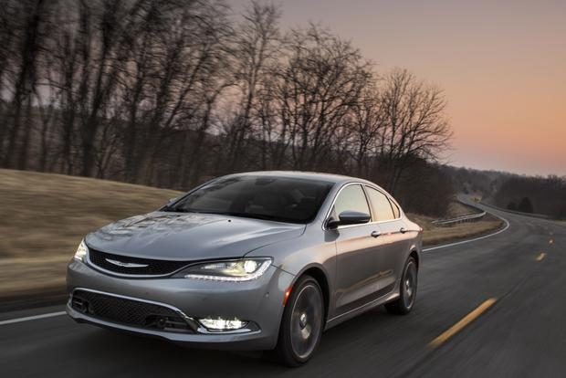 2015 Chrysler 200 Earns Top Safety Rating featured image large thumb0