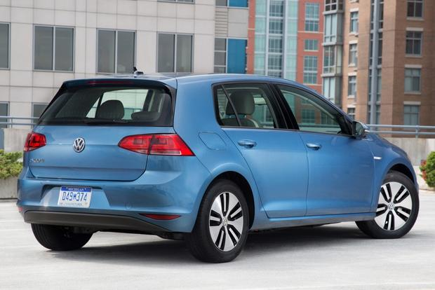 2015 Volkswagen e-Golf Coming to U.S. in November featured image large thumb0