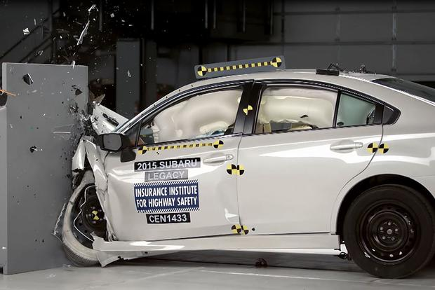 IIHS Awards Top Safety Pick Score to 71 New Vehicles featured image large thumb0