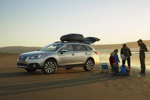 2015 Subaru Outback Earns Best Family Car Award featured image large thumb0