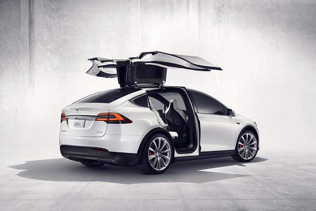 Tesla Model X Vanpools to Debut in Los Angeles featured image large thumb0