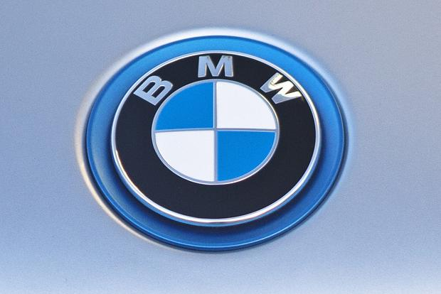 BMW to Debut 12 Electric Cars by 2025 featured image large thumb2